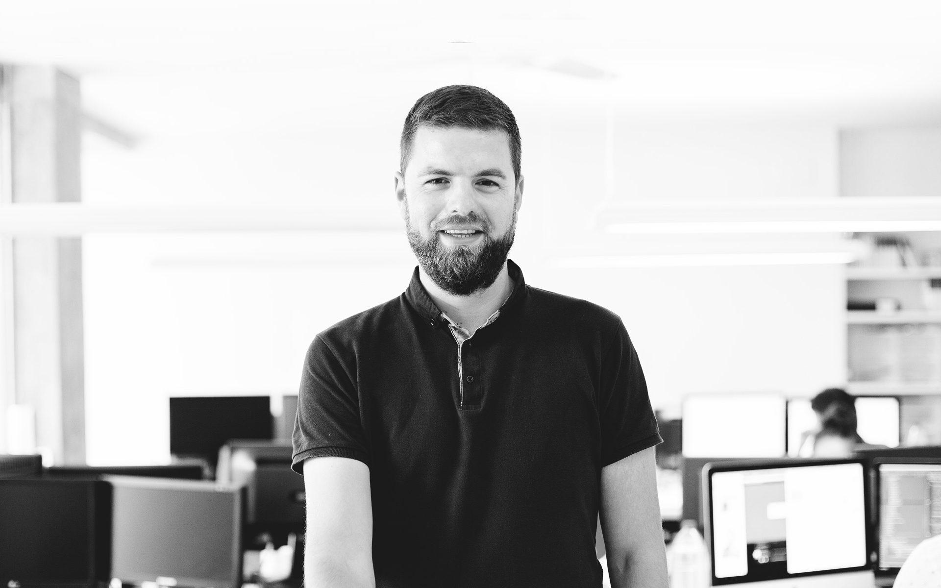 David Moya, análisis y desarrollo